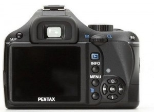Pentax представил бюджетную фотокамеру Pentax K2000