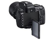 Поворотный экран Nikon D5000