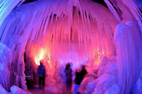 Ледяной дворец (Eispalaste) в Швейцарии