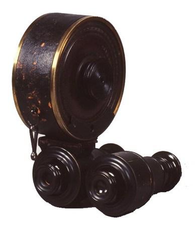 Первая в мире ламповая вспышка изобретена Луи Бутаном