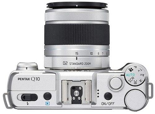 Pentax Q10 - миниатюрная фотокамера со сменными объективами