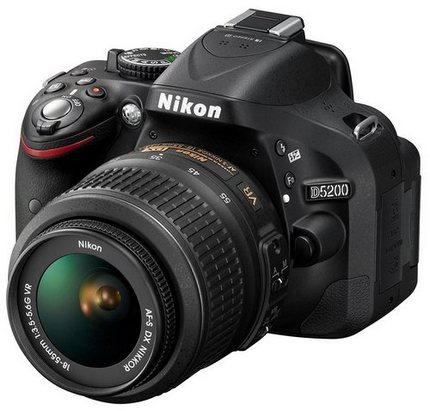 Nikon D5200 пришла на смену Nikon D5100