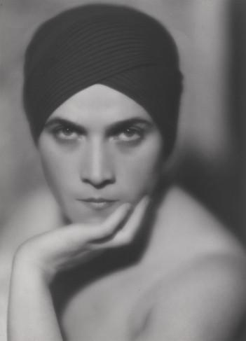 Даниэль Маскле. Сумрачная красавица, ок.1926
