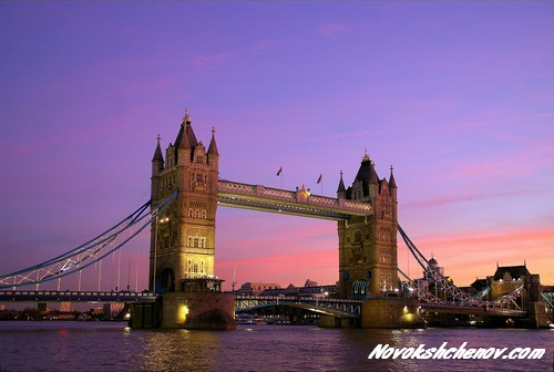 london_bridge_night_hf