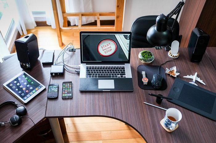 Эргономика рассматривает все вопросы, связанные с составляющими рабочего пространства.