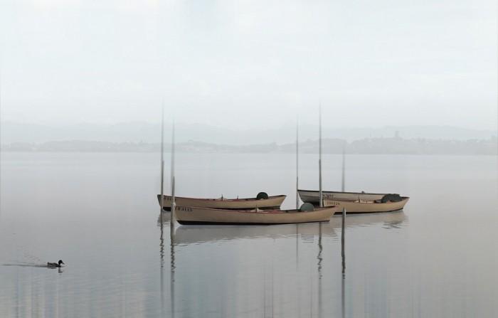 Лодки в дымке