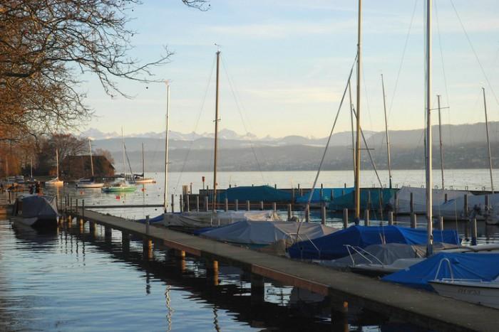 Зимний солнечный день в Цюрихе