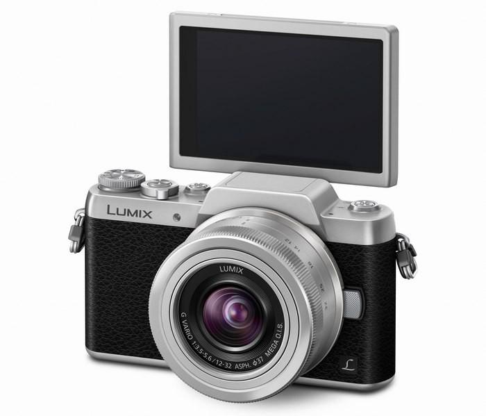 GF7s_slant_H_FS12032_s_LCD