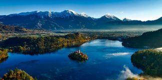 Остров на озере Блед. Словения.