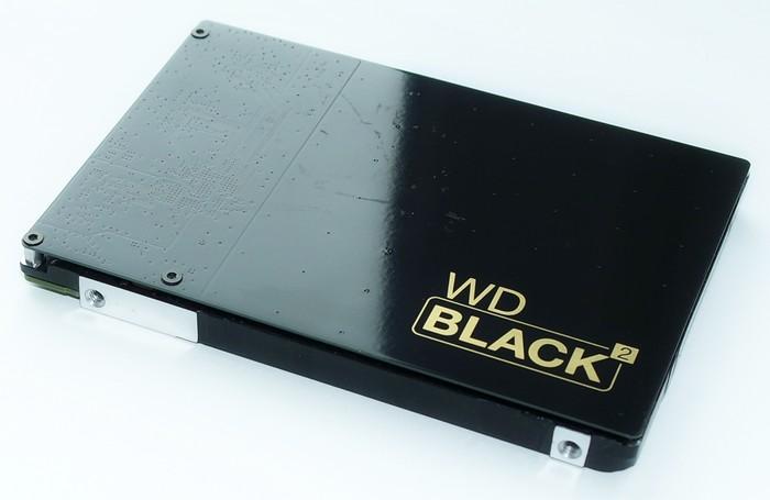 WD Black 2 - вид спереди