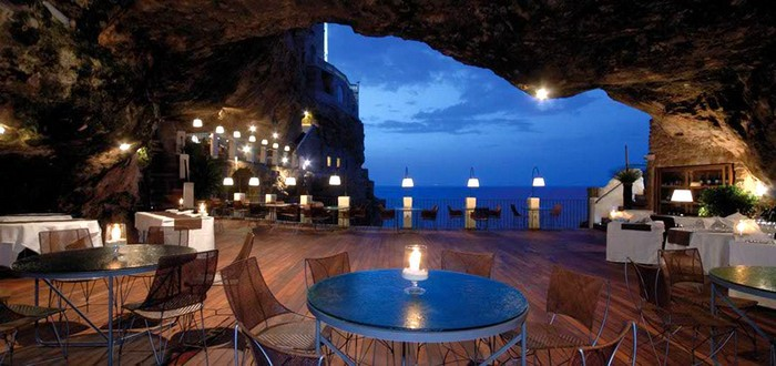 Ristorante Grotta Palazzese. Ист: http://www.grottapalazzese.it/