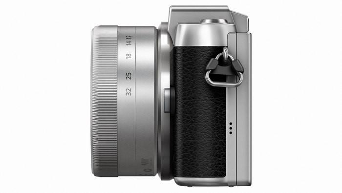 Panasonic GF7 справа