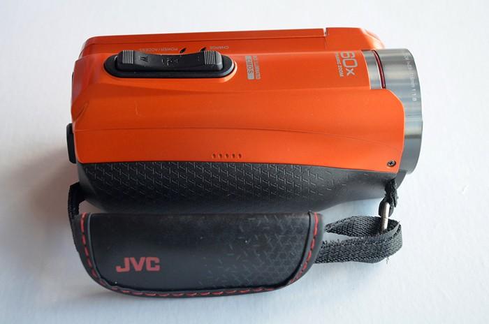 JVC-Everio-GZ-R315-16