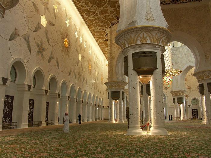 Мечеть шейха Заеда - зал