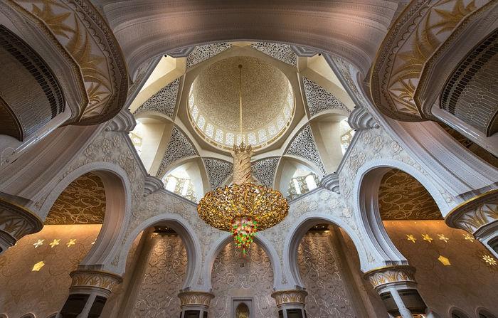 Мечеть шейха Заеда - люстра