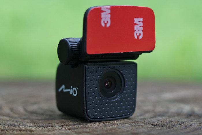 Mio MiVue 698 камера заднего вида
