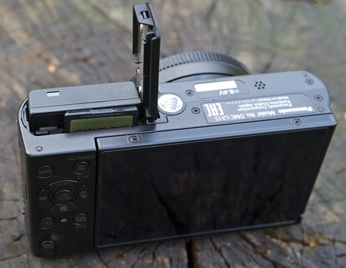 Panasonic DMC-LX15 снизу