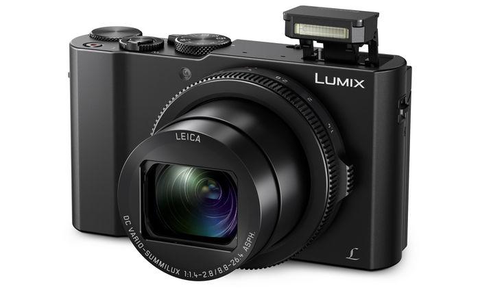 Panasonic LUMIX DMC-LX15 slant