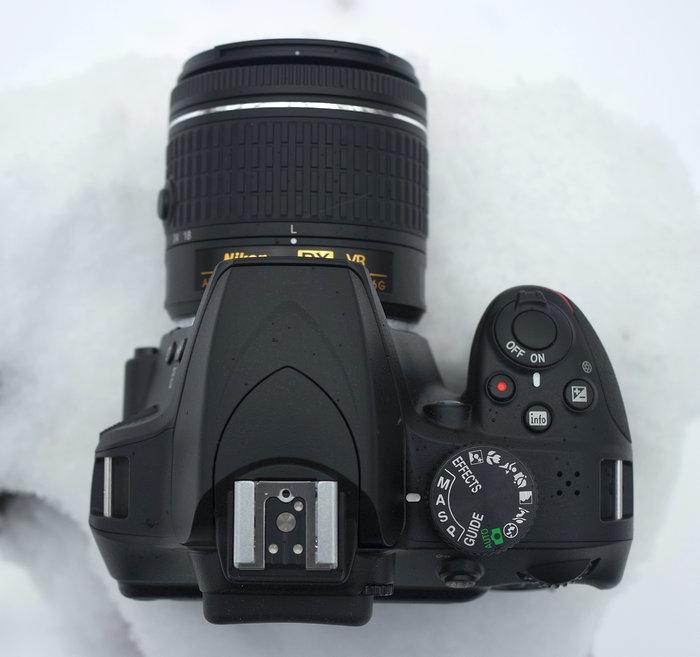 Nikon D3400-t