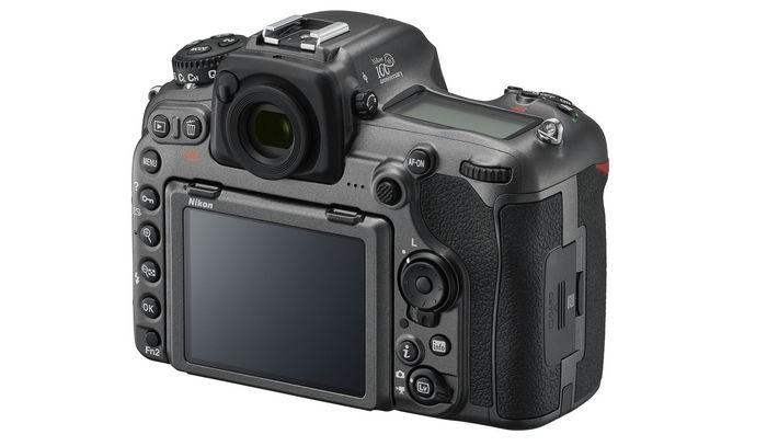 Nikon D500 юбилейная сзади