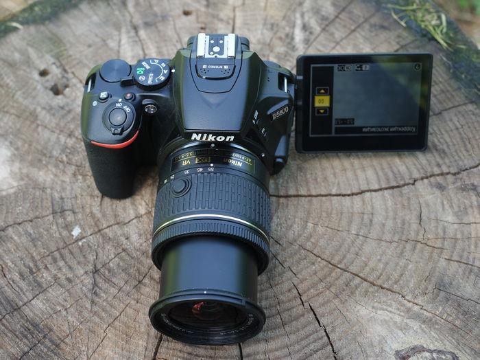 Nikon d5600 поворот дисплея