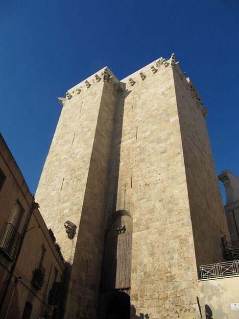 Башня Торре-дель-Элефанте (Башня слона), Кальяри