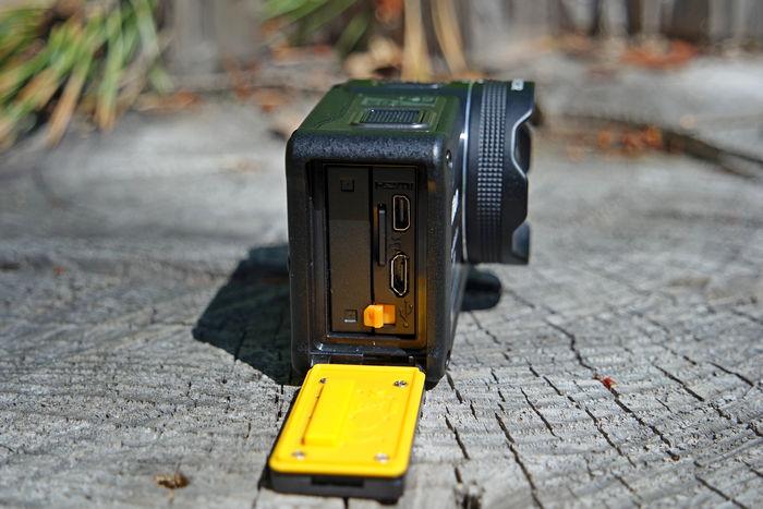 KeyMission 170 батарейный отсек