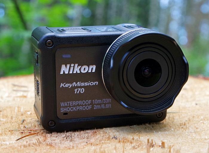 Nikon KeyMission 170 спереди