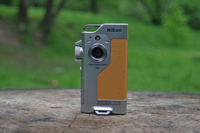 Nikon KeyMission 80 спереди