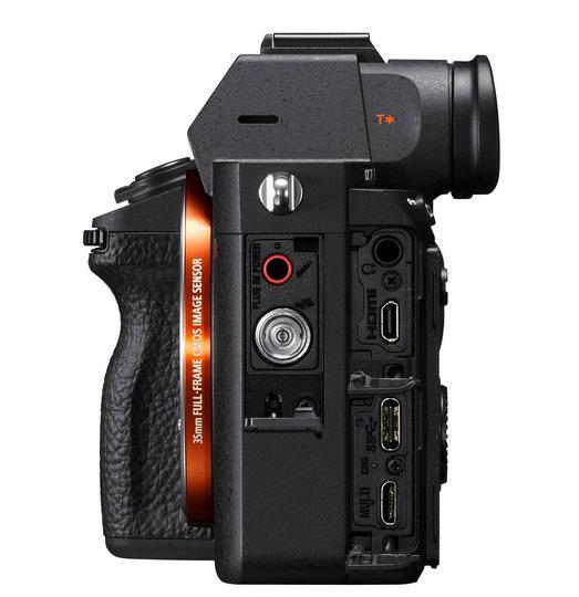 Sony представила системную камеру Sony A7R III