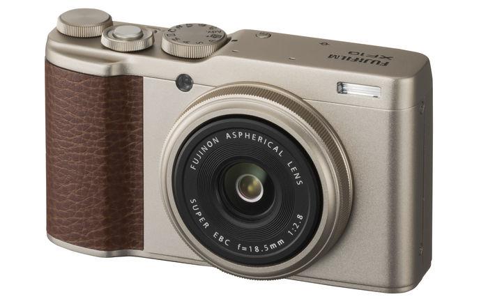 FUJIFILM XF10 — APS-C матрица и фикс-объектив 18,5 мм/F2,8