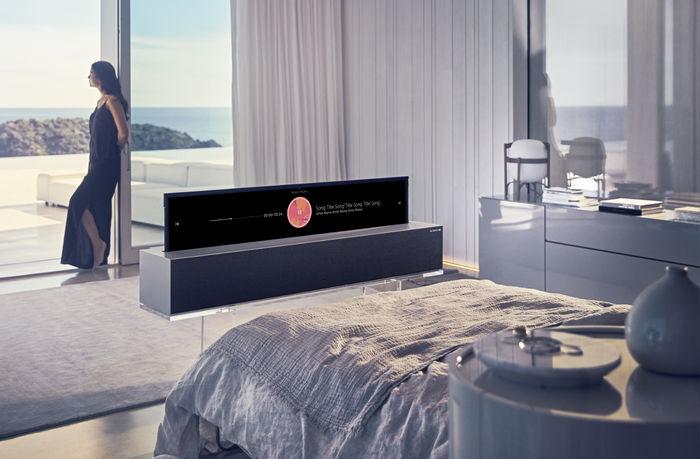 LG SIGNATURE OLED TV R (line view)
