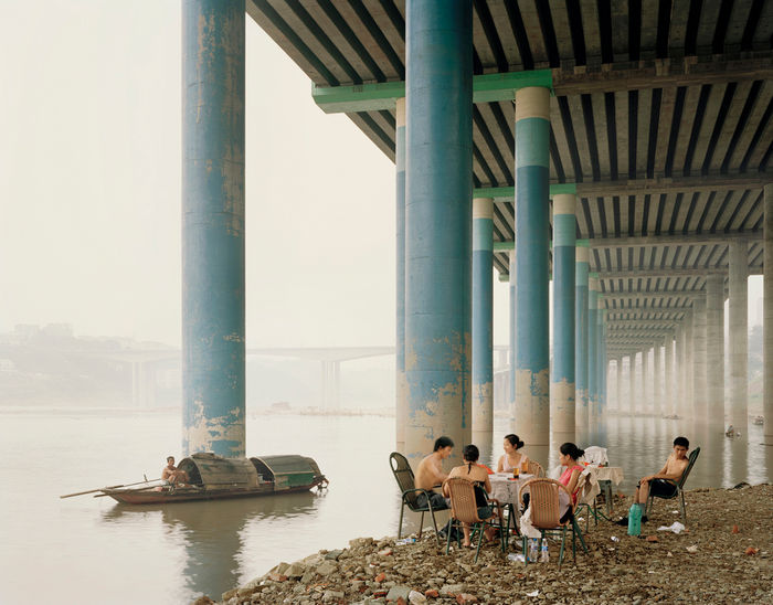 Copyright: © Nadav Kander, Chongqing IV (Sunday Picnic), Chongqing Municipality, 2006. Courtesy of Flowers Gallery