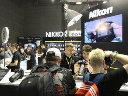 Стенд Nikon 19