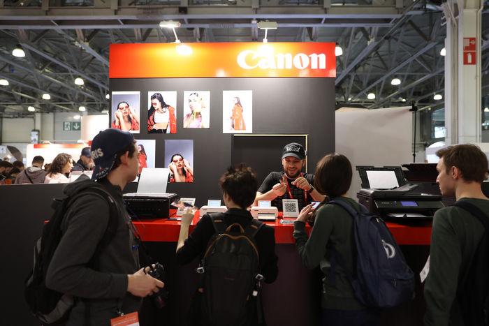 стенд Canon 19