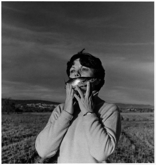 © Грасьела Итурбиде (Graciela Iturbide), автопортрет на природе, 1996 год