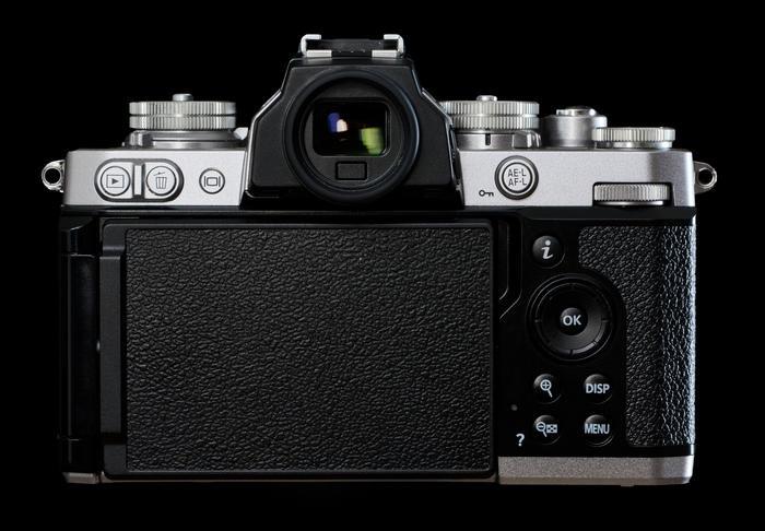 Nikon Z fc - дисплей