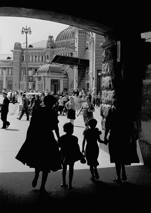 Леонид Лазарев. Белорусский вокзал, 1959.